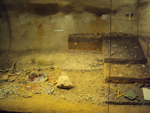Model of how archaeology works in Bordeaux Museum