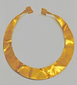 A gold lunula from Germany